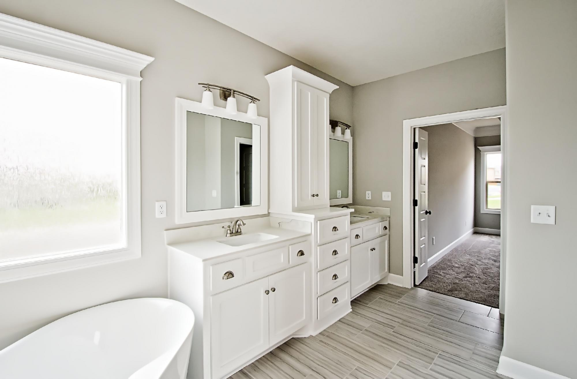 Bathrooms Photo Gallery | Custom Homes in Blue Springs MO | Rob ...
